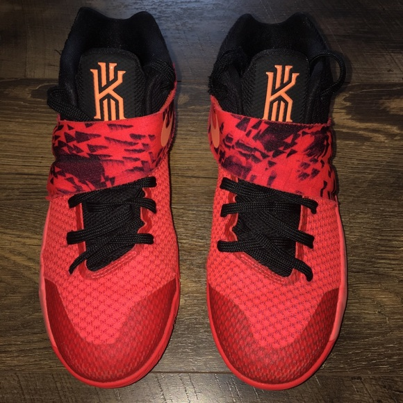 wholesale dealer a1f5f d0030 Nike (Kyrie Irving 2 inferno) shoes